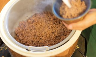 さんきゅうカフェの人気ごはん。酵素玄米。